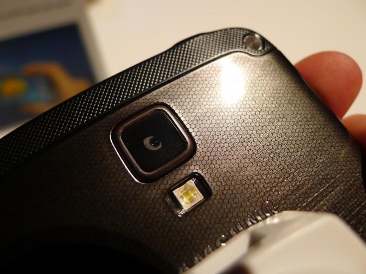 Techieapps-Samsung Galaxy S4 Active-2