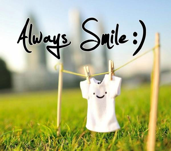 2. Always-Smile-Samsung-Galaxy-S4-Wallpaper