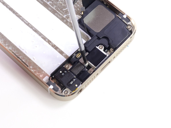 18. iPhone-5s-Teardown